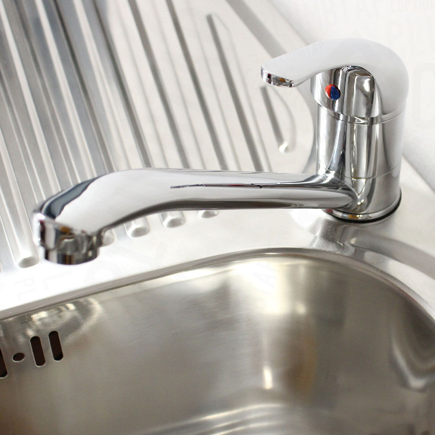 Classic Kitchen Sink Mixer Tap in Chrome